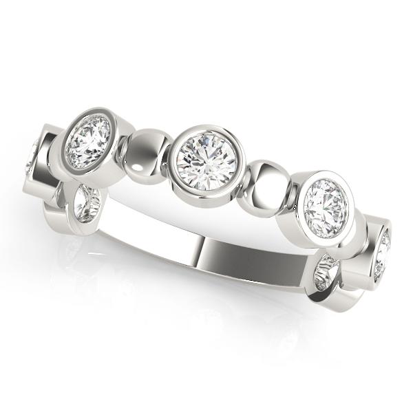 18k-white-gold-bezel-set-diamond-wedding-ring-84983